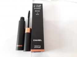 le volume de chanel 10 noir